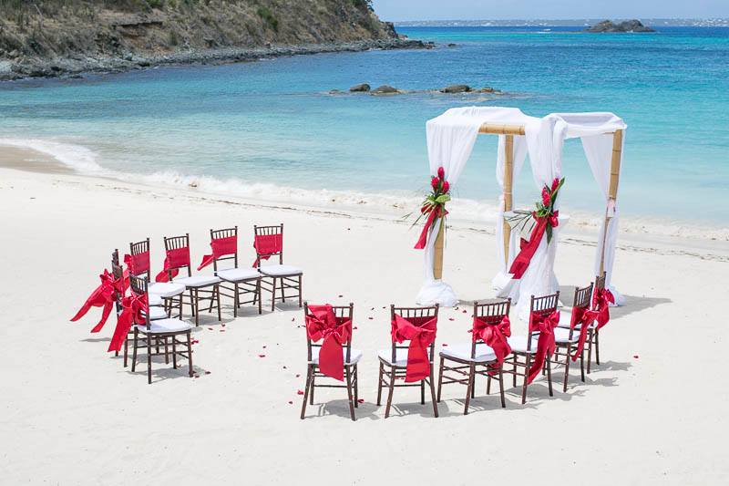 Looking for a destination wedding?  Then check out Sint Maarten Marry-Me