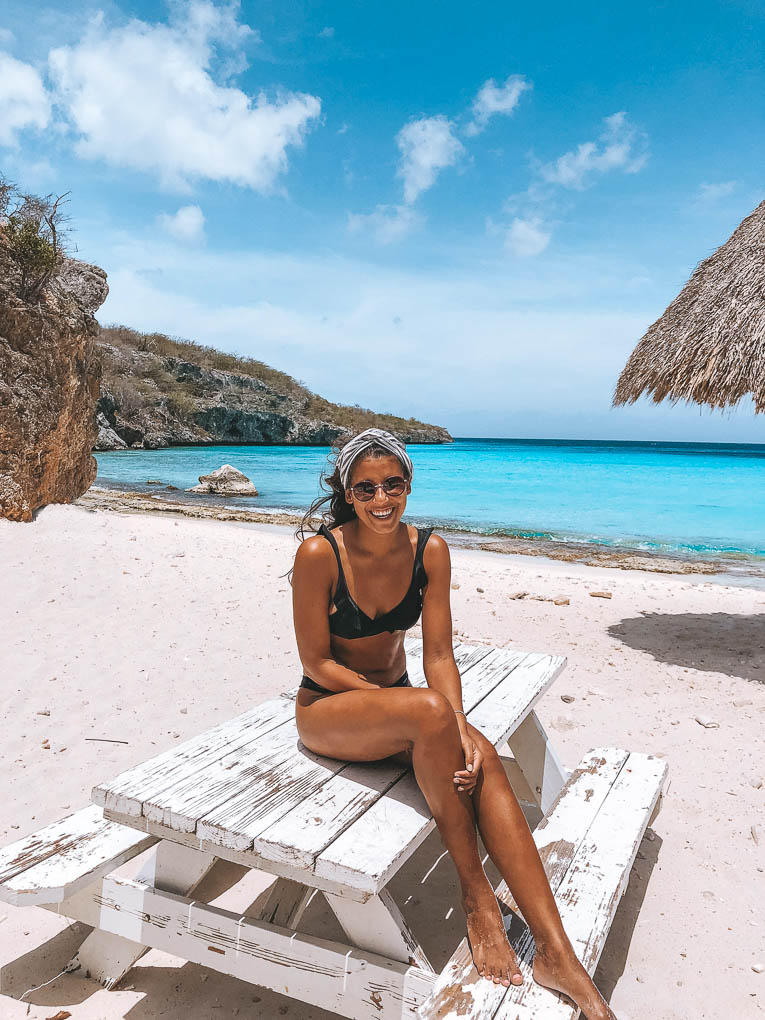 Curaçao travel blogger Es Elsewhere