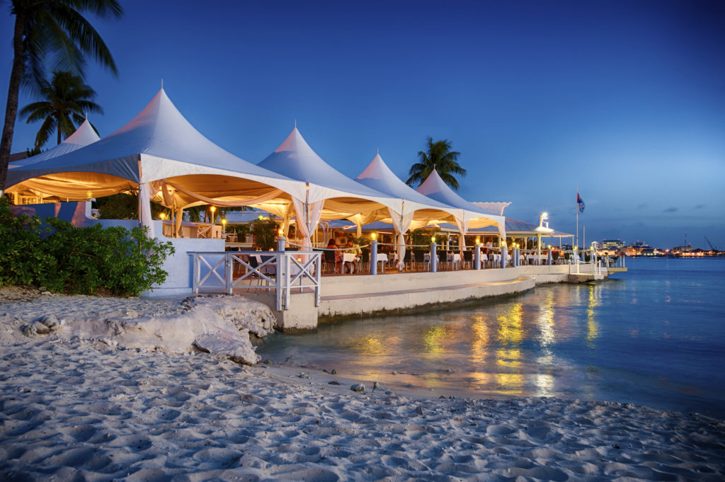 The Cayman Islands – the perfect honeymoon location