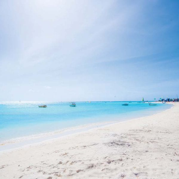 Solo travel and vacation guide to Aruba