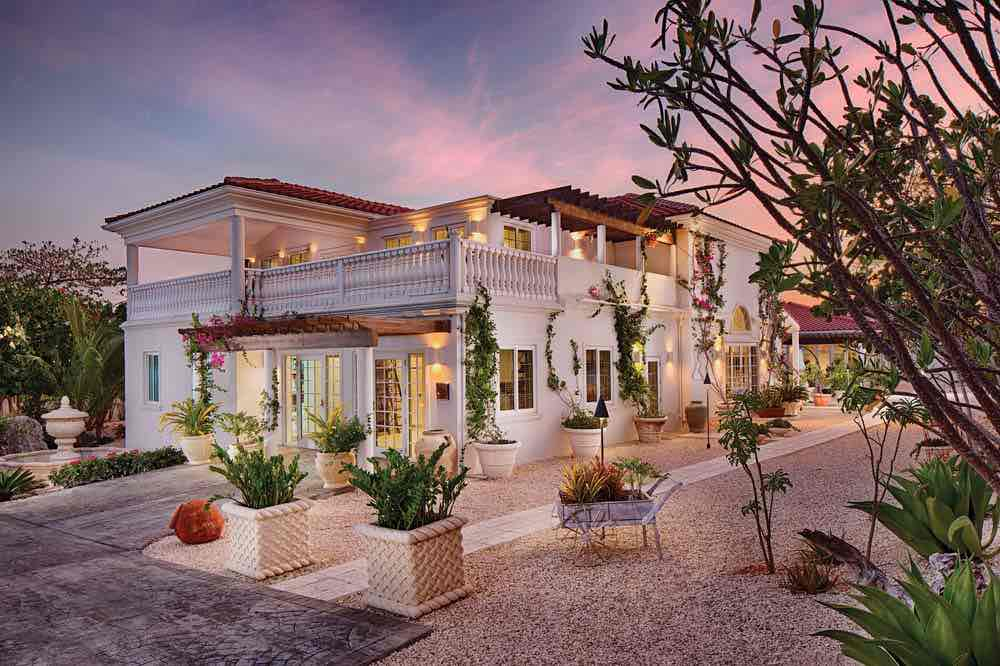 The Cayman Islands' World Class Resorts: Le Soleil d'Or