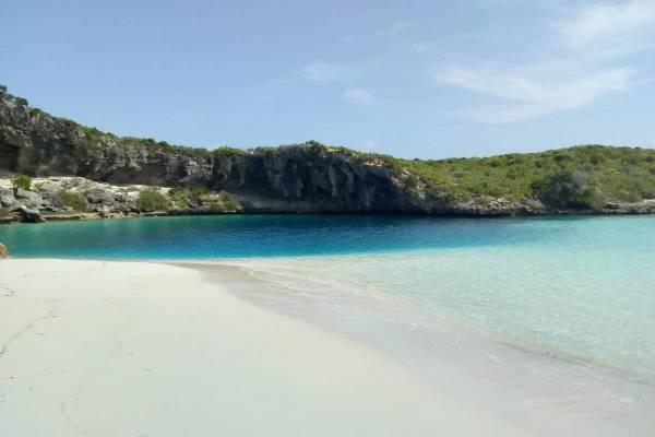 Dean's Blue Hole Bahamas